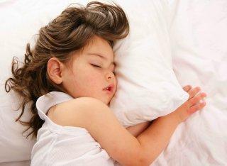 помощь ребенку при обильном потоотделении