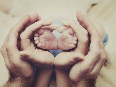 В какое время года лучше рожать ребенка: практические и научные доводы