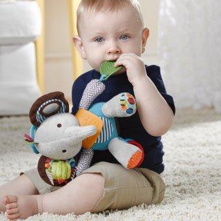 Первые игрушки для грудничка
