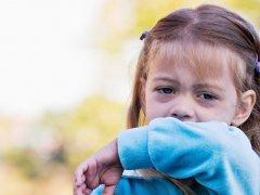 Чем лечить кашель с мокротой у ребёнка — народные средства и советы