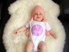 Что умеет делать ребенок в 4 месяца — описание способностей малыша