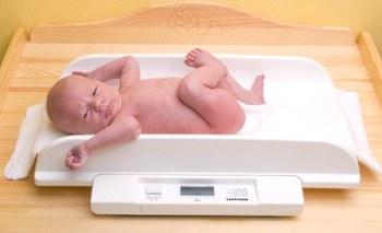 Как определить, правильно ли развивается ваш малыш? Таблица веса детей до года