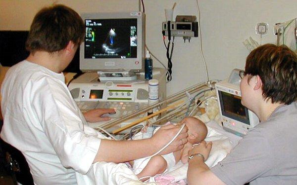 УЗИ новорождённого: показания и рекомендации