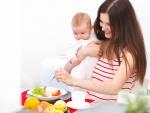 Что нельзя есть кормящим матерям: перечень запрещенных продуктов