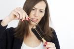 После родов выпадают волосы: что делать