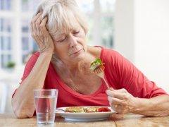 После еды болит голова: почему это происходит и как этого избежать?