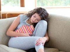 Задержка месячных и коричневые выделения: возможные причины, влияющие факторы и профилактика