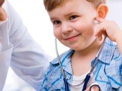 Стоит ли родителям беспокоиться, если началось покашливание у ребенка?