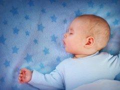 Кормление, сон, бодрствование в режиме 2 месячного ребенка